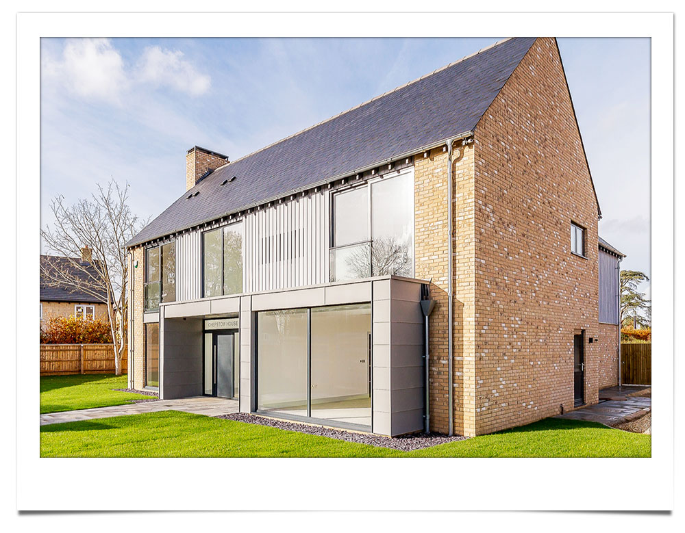for sale by ouwner freehold luxury new build rural home with double garage and and garden england oxforshire